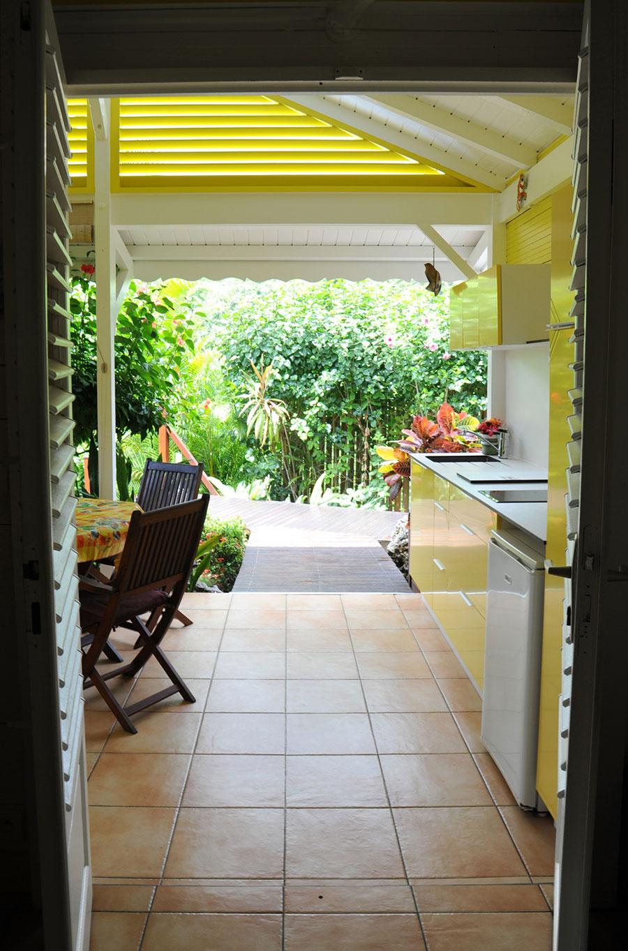 Vue depuis l'intérieur du bungalow Curcuma