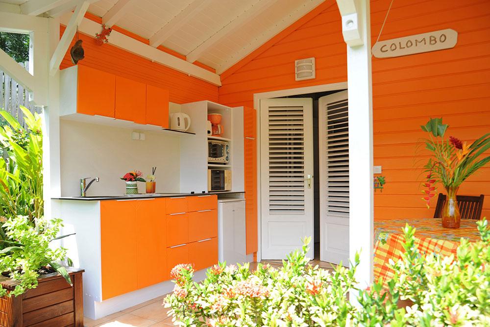 Terrasse du bungalow Colombo au gîte des 3 épices en Guadeloupe.